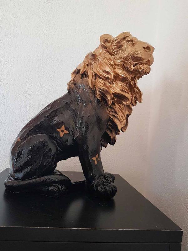 Louis Vuitton lion